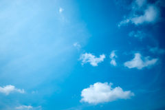 Blauer Himmel wird bedeckt Lizenzfreies Stockfoto