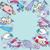 Blauer Hintergrund mit multi farbigen Fischen stock abbildung