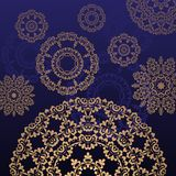 Blauer Hintergrund mit runder Verzierung Stockfotos