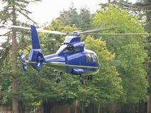 Blauer Hubschrauber Lizenzfreie Stockbilder