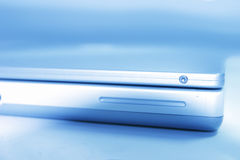 Blauer Laptop Lizenzfreies Stockfoto