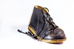 Blauer lederner childs Schuh Stockbild