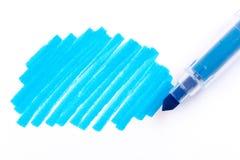 Blauer Leuchtmarker Stift und Gekritzel lokalisiert auf weißem Hintergrund mit wirklichem Schatten stockfoto