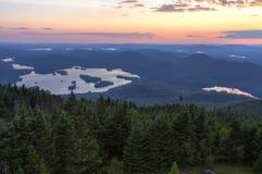 Blauer Mountainsee-und Elritze-Teich-Sonnenuntergang Lizenzfreie Stockbilder