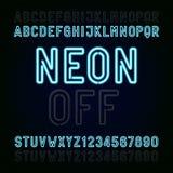 Blauer Neonlicht-Alphabetguß Zwei verschiedene Arten Beleuchtet AN/AUS Schreiben Sie Buchstaben und Zahlen Stockfotos