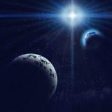 Blauer Planet und Erde Gigant im Raum Stockfotos