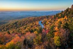 Blauer Ridge Parkway, szenischer Sonnenaufgang, North Carolina lizenzfreies stockfoto