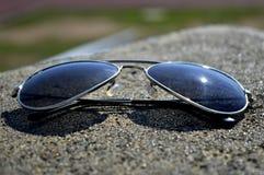 Blauer Schatten Sunglass lizenzfreies stockfoto