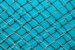 Blauer Schattenhintergrund des Netzdrahtes Stockfotografie