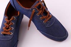 Blauer Schuh lizenzfreies stockbild
