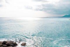 Blauer See- und Himmelhintergrund Lizenzfreies Stockbild