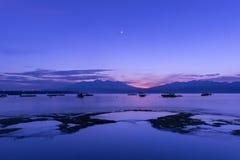 Blauer Sonnenaufgang stockfotos