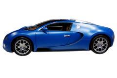 Blauer Sportwagen getrennt Stockfotos
