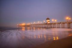 Blauer Stunden-Huntington-Pier stockbilder