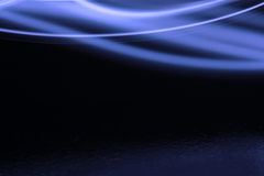 Blauer Swish auf Schwarzem Lizenzfreie Stockfotografie