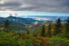 Blauer szenischer Gebirgsherbst Ridge Parkway National Park Sunrises Stockbild
