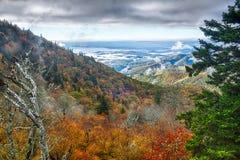 Blauer szenischer Gebirgsherbst Ridge Parkway National Park Sunrises Lizenzfreies Stockfoto