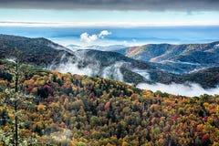 Blauer szenischer Gebirgsherbst Ridge Parkway National Park Sunrises Stockfotos