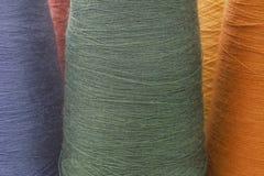 Blauer und grüner Hintergrund von den Threads Stockfotografie