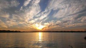 Blauer und orange Himmel lizenzfreies stockfoto