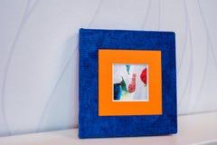 Blauer und orange Hochzeitsblitzkasten Lizenzfreies Stockbild