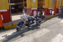 Blauer und schwarzer Harley Davidson in Lima, Peru stockfotografie
