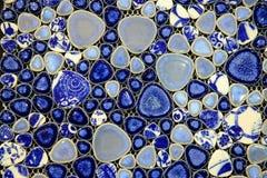 Blauer und weißer Keramikziegel Stockfoto