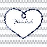 Blauer und weißer Marineseil-Herzrahmen mit Welle Stockbild