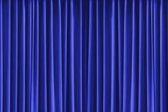 Blauer vertikaler Vorhang des dunklen Musters Stockbilder