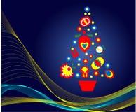 Blauer Weihnachtsbaum mit Weihnachtsvolkmustern Lizenzfreie Stockfotografie