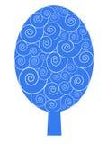 Blauer Winterbaum mit Schneemuster Stockbild