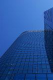 Blauer Wolkenkratzer Stockfotos