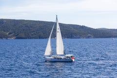 Blaues adriatisches Meer, Kroatien Stockfoto