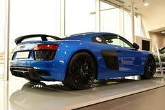 Blaues Audi R8 stockfotos