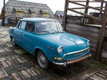 Blaues Auto Lizenzfreie Stockfotos