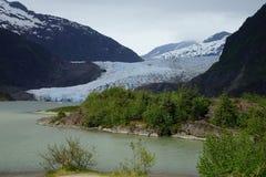 Blaues Eis von Mendenhall-Gletscher, Ansicht von der Seite Lizenzfreie Stockbilder
