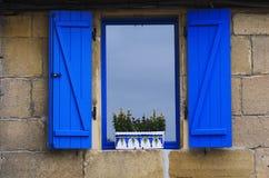 Blaues Fenster Lizenzfreies Stockfoto