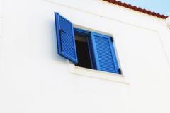 Blaues Fenster Lizenzfreie Stockfotos