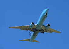 Blaues Flugzeug stockfotografie