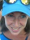 Blaues gemustertes Mädchen Stockfoto