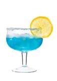 Blaues Getränk mit Eis und Zitrone Stockfotos