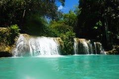 Blaues Grün-Wasser von Cambugahay-Fällen, Siquijor Lizenzfreie Stockbilder