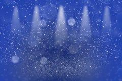 Blaues hübsches glattes Stadiumsscheinwerfer bokeh der Funkelnlichter defocused abstrakter Hintergrund mit Funken fliegen, festal vektor abbildung