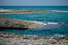 Blaues Küste adriatisches Meer-Italiens apulia Lizenzfreies Stockbild
