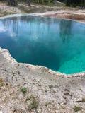 Blaues Loch klar lizenzfreies stockfoto