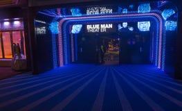 Blaues Manntheater lizenzfreie stockfotos