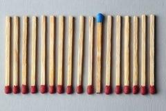 Blaues Match unter Braun eine Lizenzfreie Stockfotografie