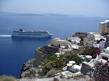 Blaues Meer auf santorini Lizenzfreies Stockfoto
