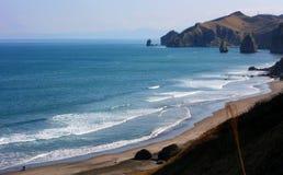 Blaues Meer und moutain Lizenzfreies Stockfoto
