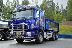 Blaues Mercedes-Benz Actros Tipper Truck Flash-Pferd Stockfotografie